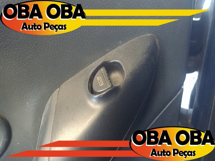 Botão de Vidro Dianteira Esquerda Palio Weekend 1.6 16v Gasolina 2000/2001