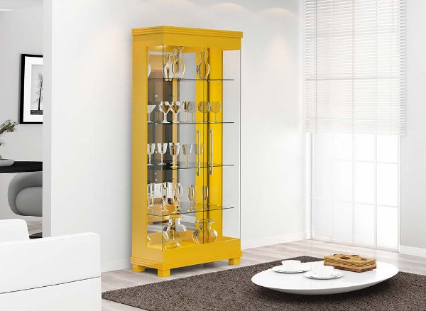 Cristaleira com Portas de Vidro e Puxadores Cromados