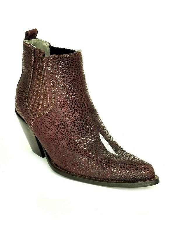 bota feminina bico fino cano curto réplica couro de arraia vinho vimar west country