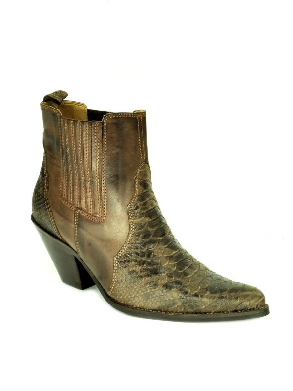 bota feminina bico fino cano curto couro réplica crocodilo café vimar west country