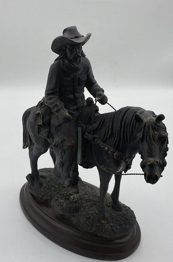 Estatua Decorativa Cowboy Beijando Cowgirl