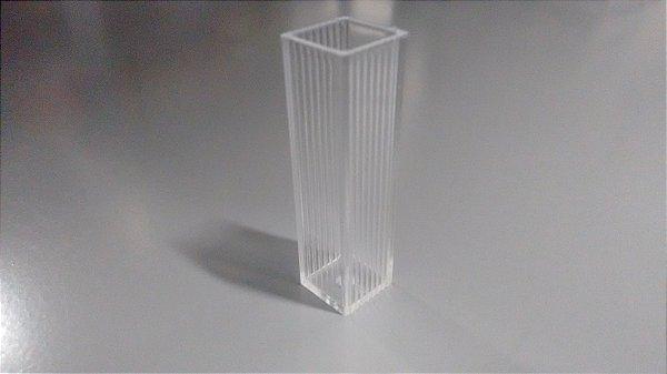 CUBETA UV PMMA MACRO DESCARTAVEL 10MM 2,5 A 4,5ML 280-800NM 100UN KARTELL