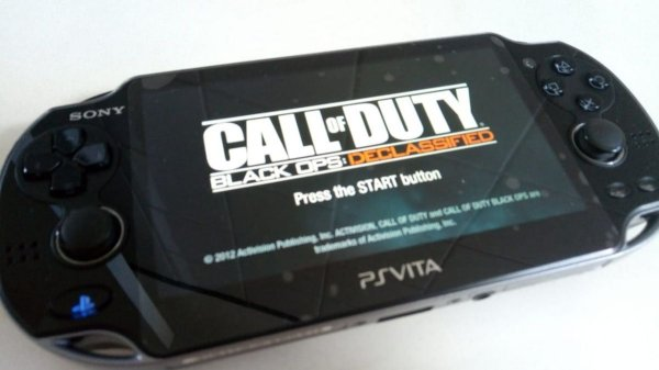Console Portátil Sony Ps Vita com Cod Black Ops Declassified