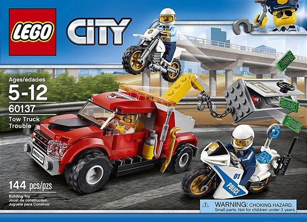 LEGO City - Caminhão Reboque em Dificuldades 60137