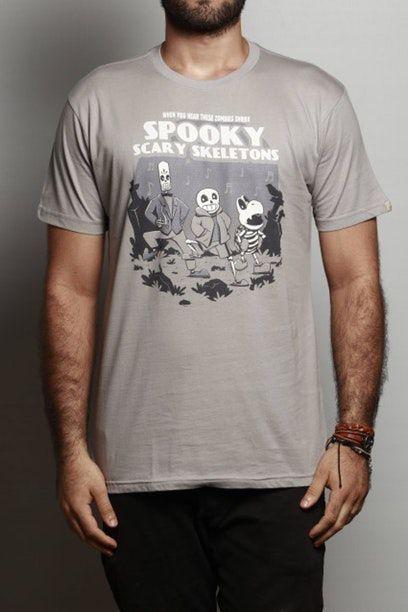 Camiseta Spooky Scary Skeletons