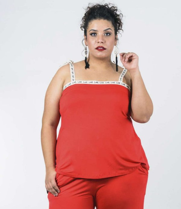 REGATA PLUS SIZE IN LOVE VERMELHA