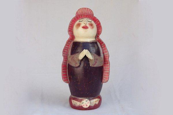 Santa de cerâmica