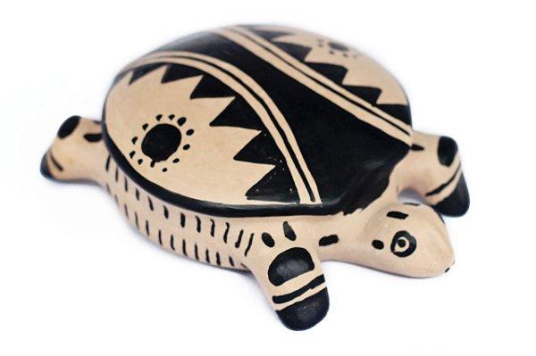 Tartaruga de cerâmica