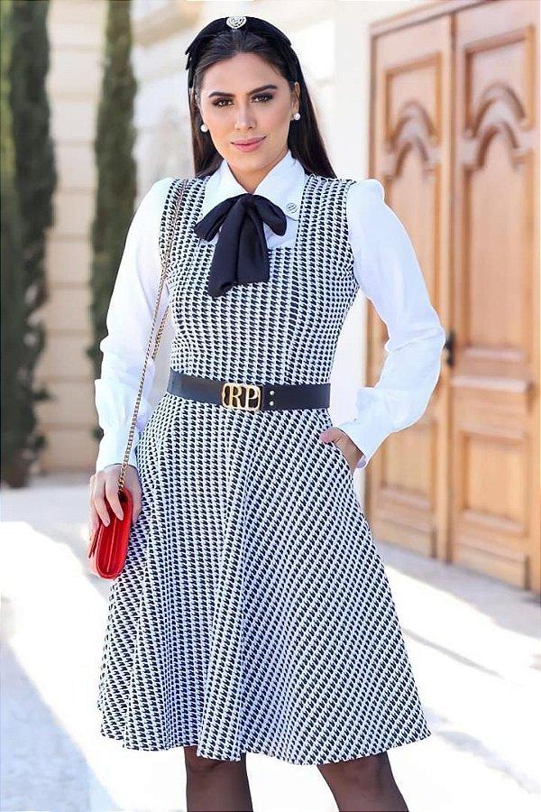 Vestido Lady Like Xadrez + Camisa Moda Evangelica com detalhe em Amarração na Gola RP