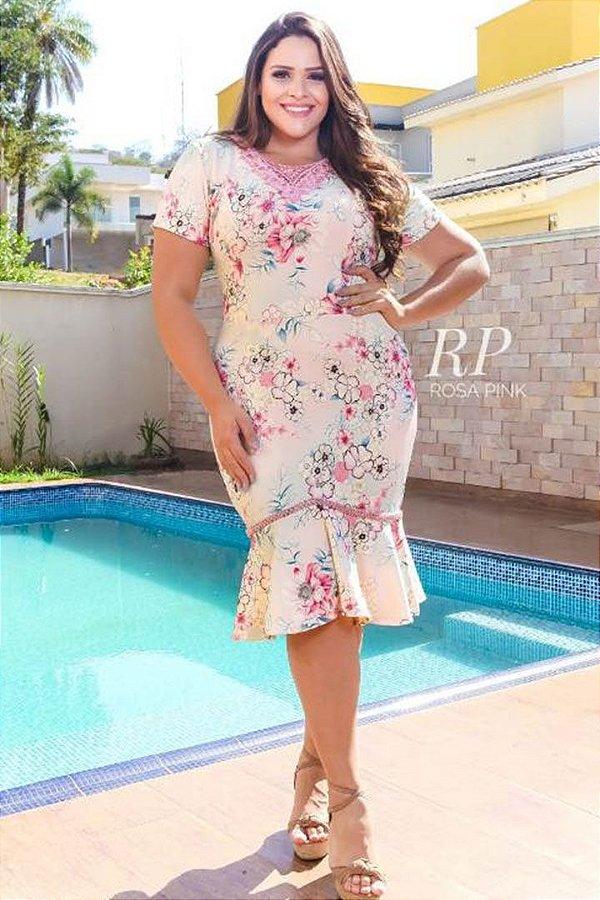 Vestido Moda Evangelica Bordado na Gola e na Barra Plus Size RP