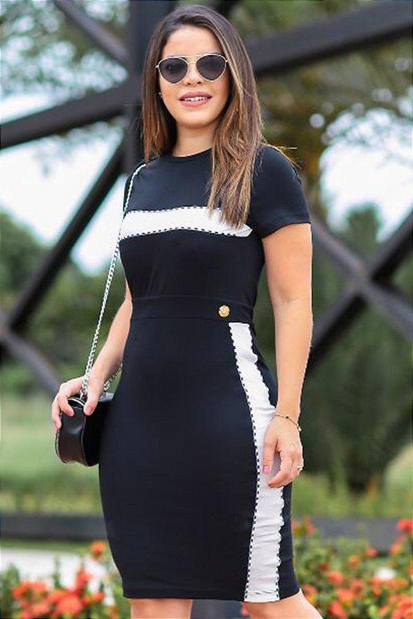 Vestido Sport Moda Evangelica com Recortes no Busto e nas Laterais EM