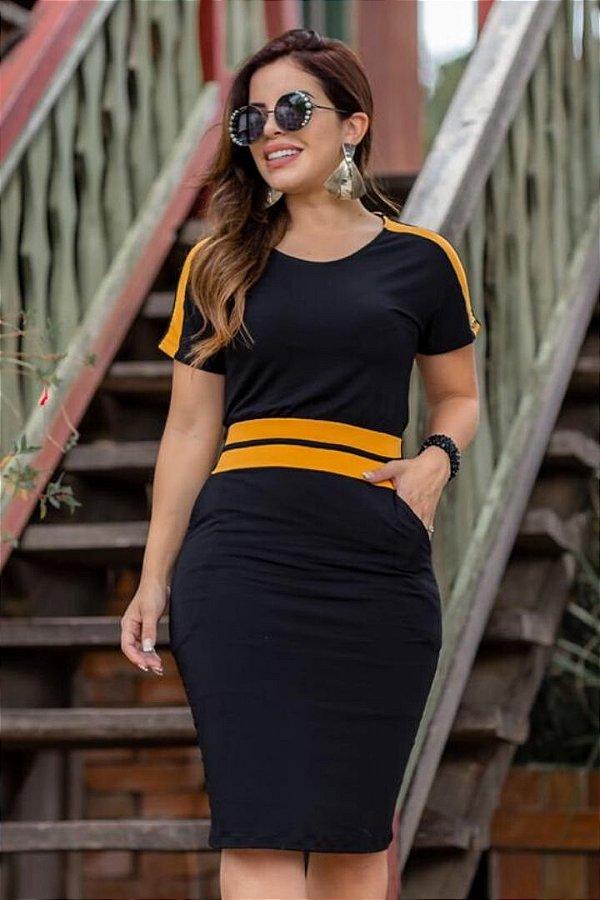 Vestido Moda Evangelica Preto com recortes e detalhes em bolso Boutique K 4842