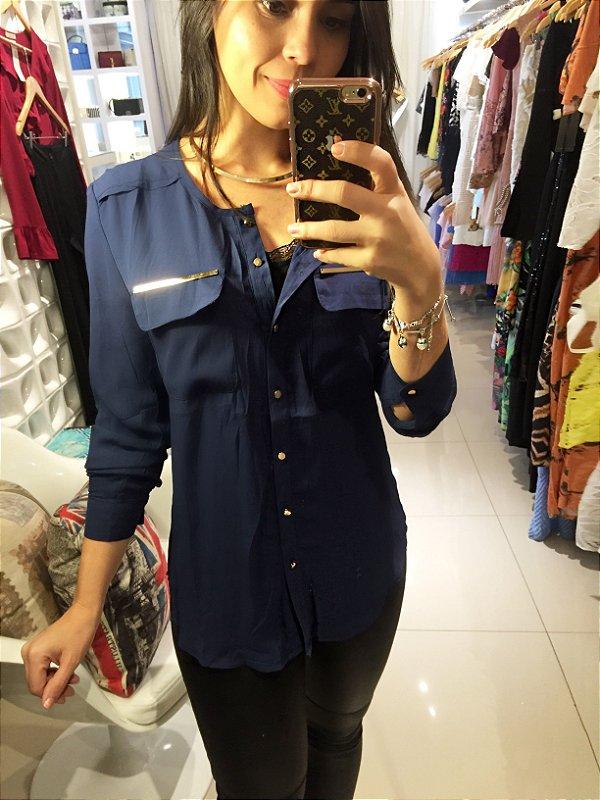 Camisa detalhe bolso azul petróleo