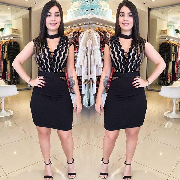Vestido preto modelador