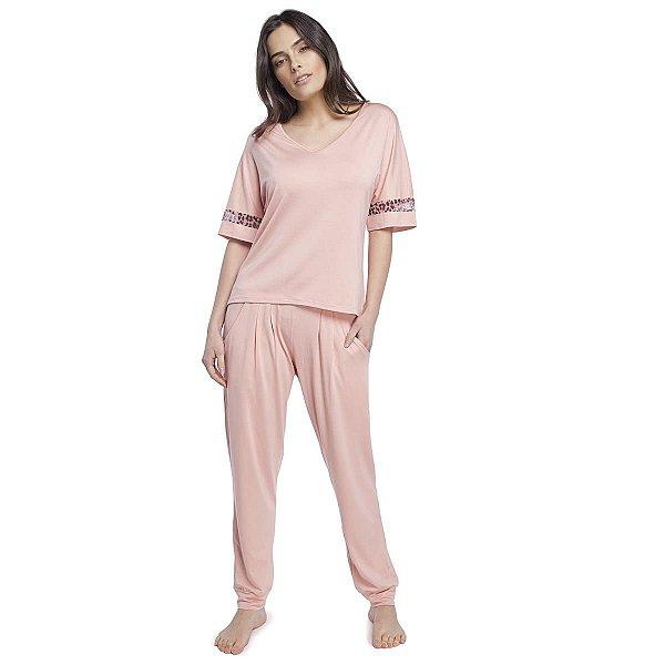 Pijama Feminino com Bolso Rosê com Animal Print