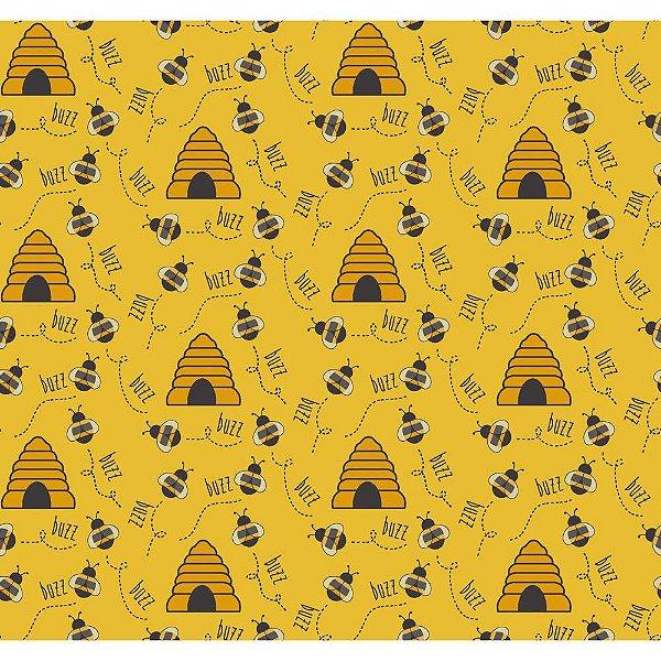 Tecido Tricoline Abelha e Colmeia - Fundo Mostarda - Coleção Bee Buzz - Preço de 50 cm x 150 cm