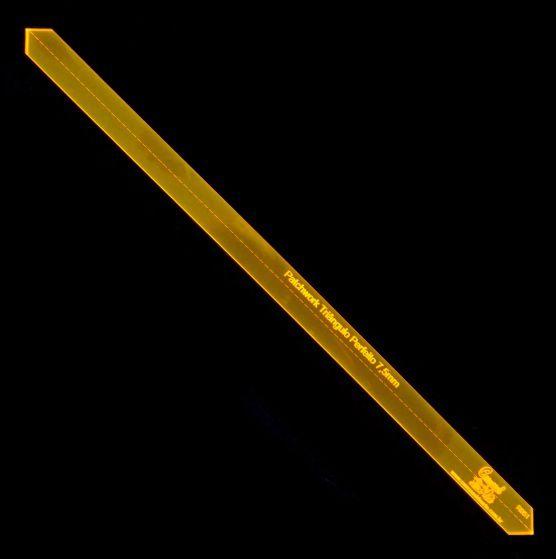 Régua para Patchwork Triângulo Perfeito - Em centímetros