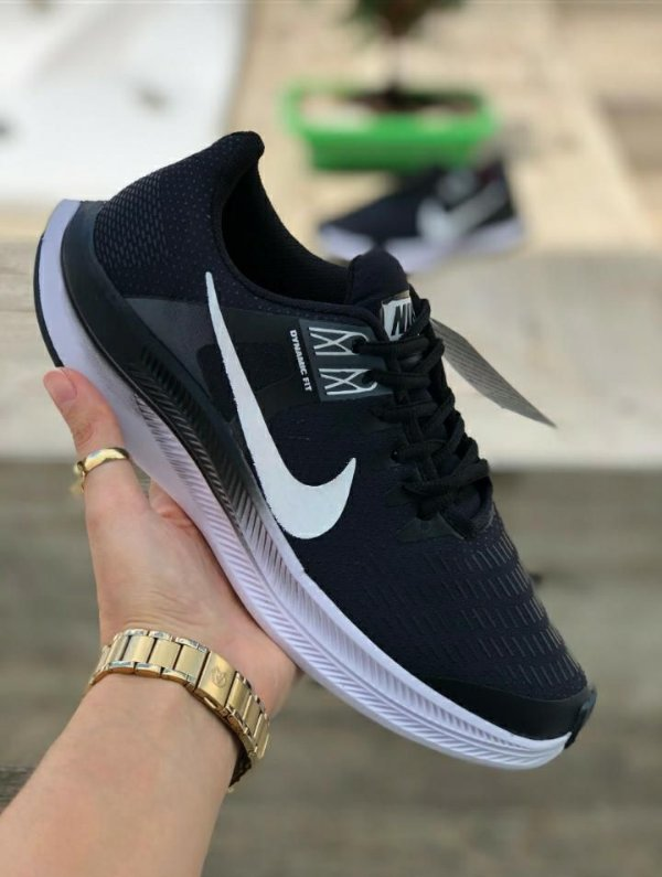 Tênis Masculino Caminhada Esportivo Nike Air Zoom Dynamic - Preto/Branco