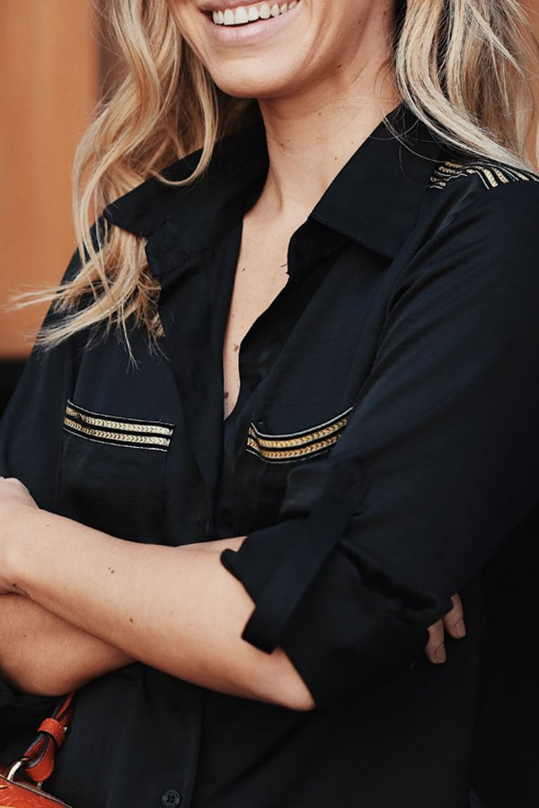 Conjunto Calça/Camisa Detalhe Faixa Dourada