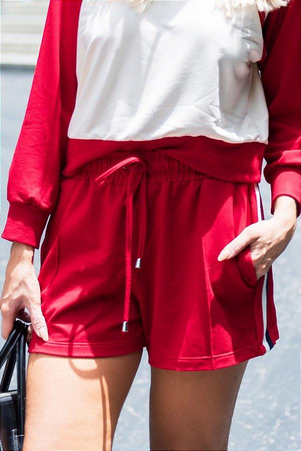 LANÇAMENTO | Shorts Moleton Vermelho c/ Faixas
