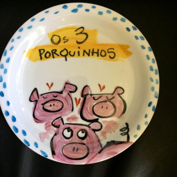 Pratinho de sobremesa Os 3 porquinhos