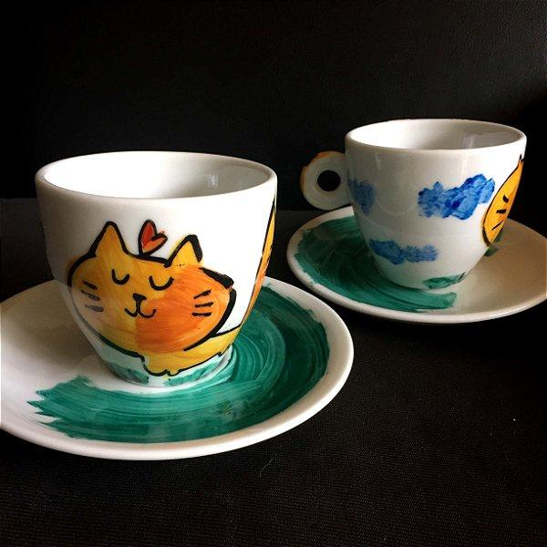 Conjuntinho   2 xicaras de chá  Gato fofo passeando
