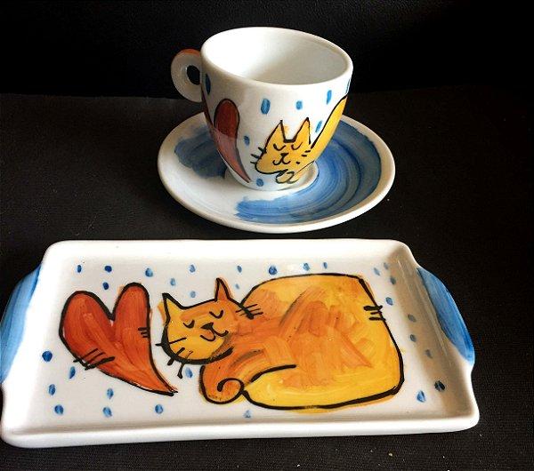 Conjuntinho xícara de chá com pires e bandeja- GAtinho amoroso