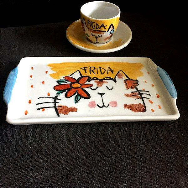 Conjuntinho xícara de café com pires e bandeja- Frida GAtinha