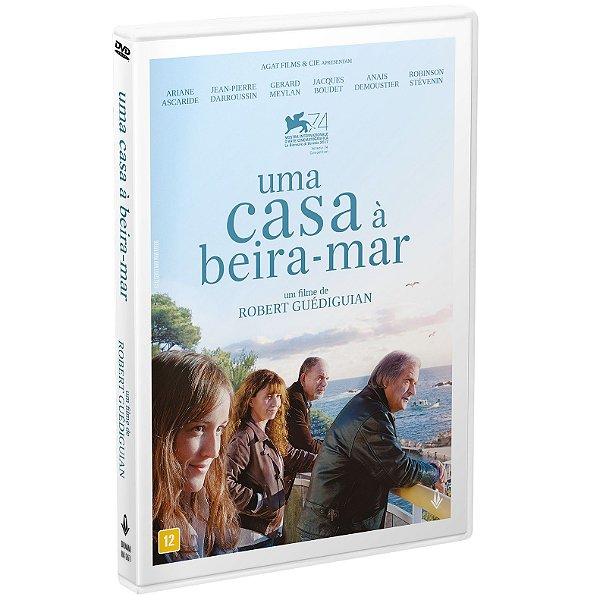 UMA CASA À BEIRA DO MAR