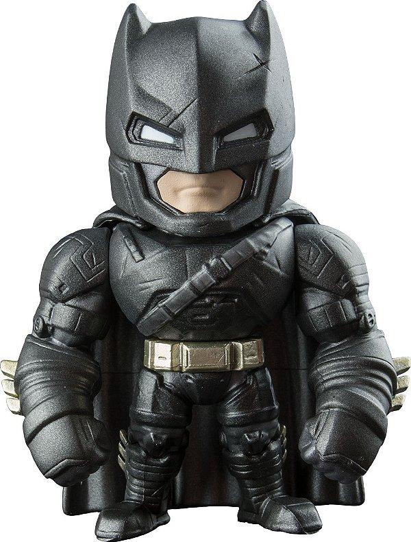 BONECO BATMAN - COLEÇÃO BATMAN VS SUPERMAN - ARMORED BATMAN