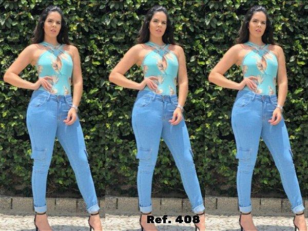 Calça Jeans Feminina com Bolso utilitário na Lateral
