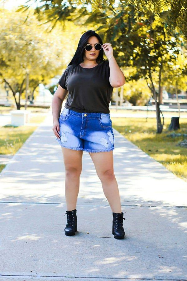 Short Jeans Escuro Plus Size  Cintura alta