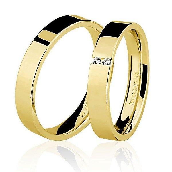 Par Aliança Ouro 18k Amarelo Planas com Dois Diamantes na Feminina