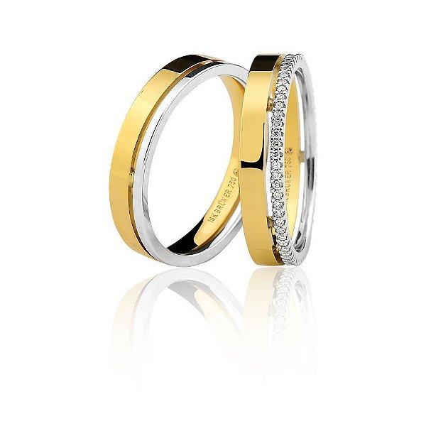 Aliança Ouro 18k Amarelo e Branco com Friso Vazado e Diamantes em Aro Inteiro Ref 76.0258.4024