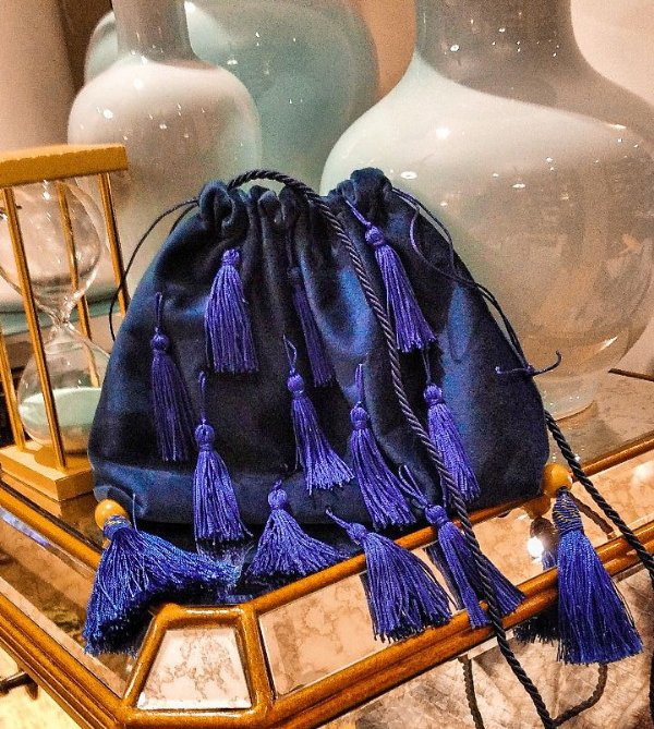 Bolsa velvet fringes azul petróleo