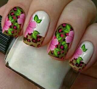 Películas ou Adesivos decorados para unhas  Onça Esverdeada Floral