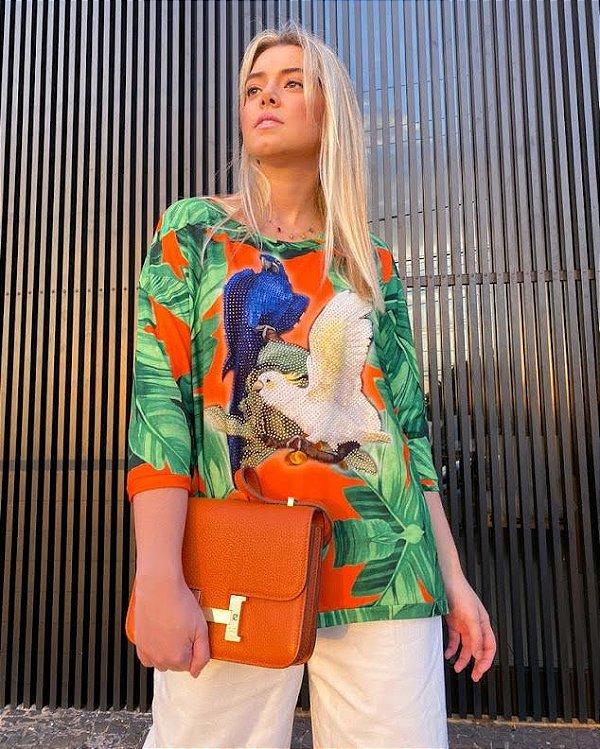 Anemess - Blusa ampla Pássaros fundo folhagem   /  TAMANHO ÚNICO - VESTE DO P AO GG  Ref: