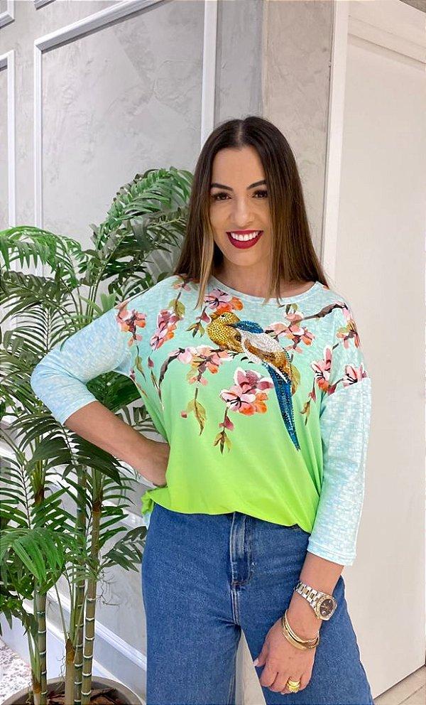 Anemess - Blusa ampla Pássaros com orquídea   /  TAMANHO ÚNICO - VESTE DO P AO GG  Ref: 91231