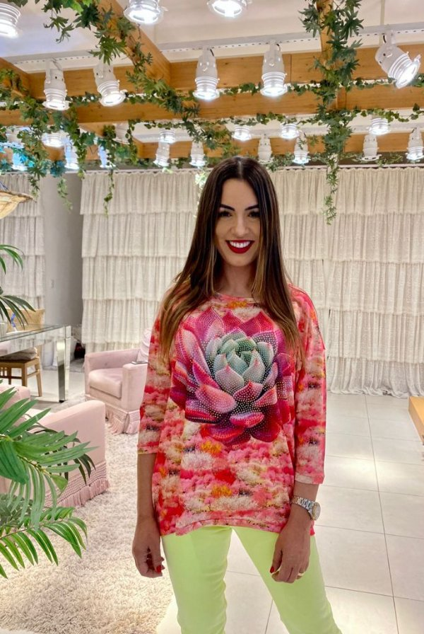 Anemess - Blusa ampla Flor de Lotús   /  TAMANHO ÚNICO - VESTE DO P AO GG  Ref:
