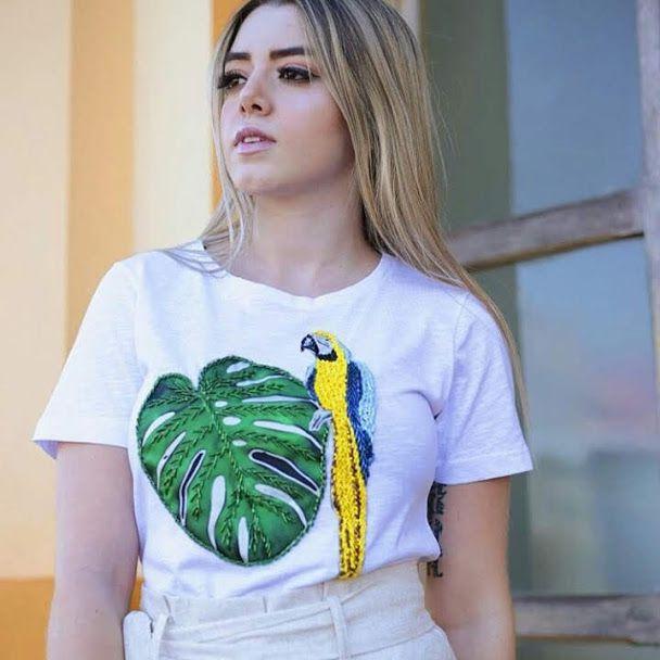 Anemess - Tshirt com bordado feito a mão