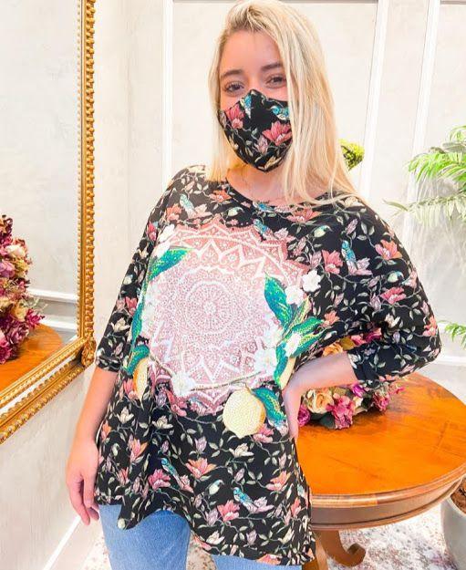 Anemess - Blusa ampla Preta Floral e Mandala / acompanha máscara /  TAMANHO ÚNICO - VESTE DO P AO GG  Ref: 90949