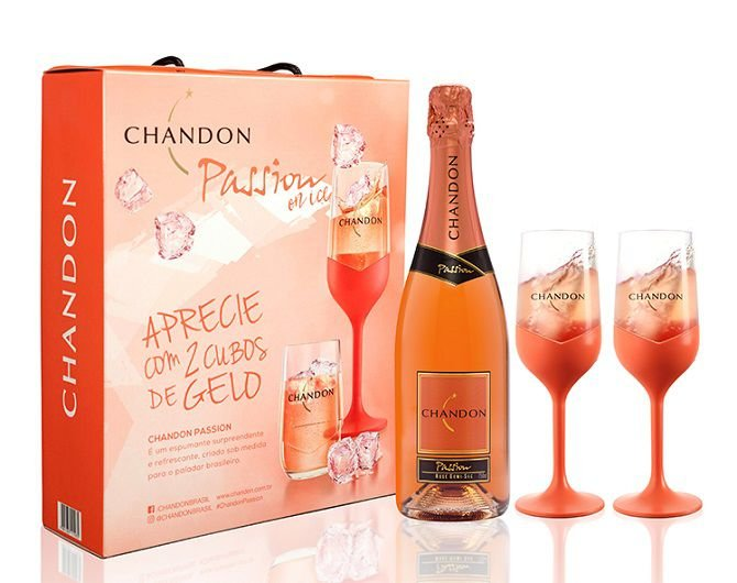 KIT CHANDON PASSION ROSÉ DEMI-SEC COM DUAS TAÇAS