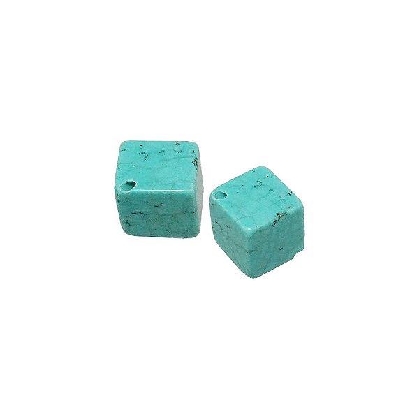 10-0013 - Pacote com 1 Kg de Pedra Turquesa Cubo com Passante 14mm