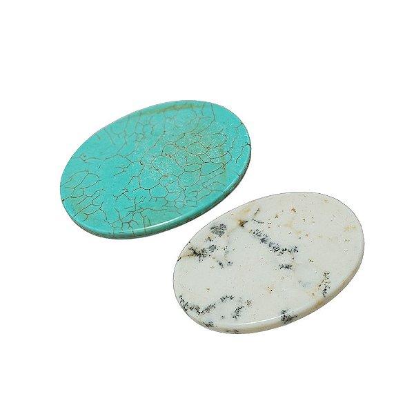 10-0024 - Pacote com 1 Kg de Pedra Turquesa/Marfim Chaton Oval 30mmx40mm