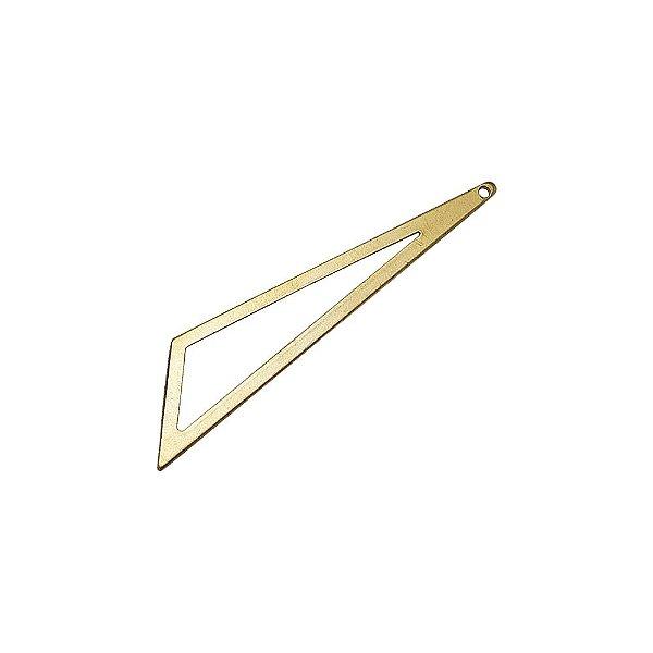 01-2136 - Pacote com 1/2 Kg de Pingente em Latão Triangular 58mmx17mmx48mm