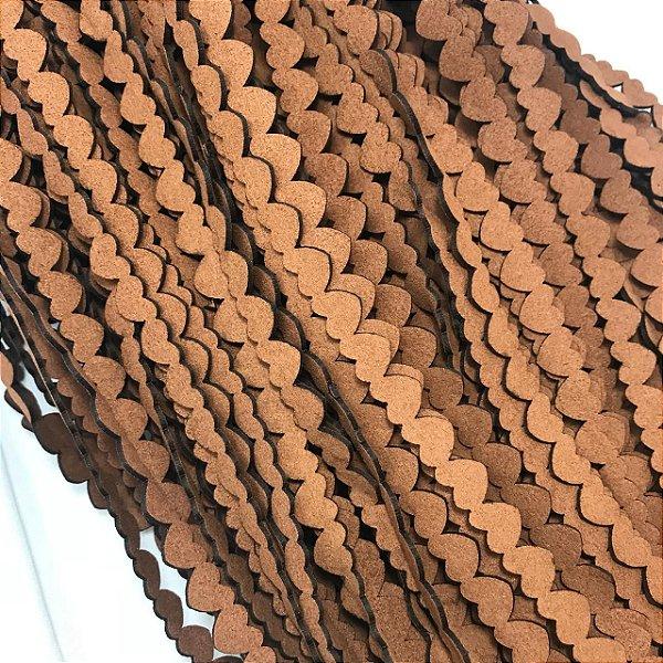 06-0059 Pacote com 5 metros Cordão Imitação Camurça Coração