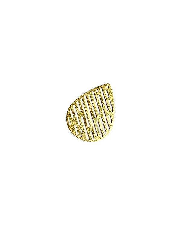 01-2457 1/2kg de Estamparia Gota Vazada Diamantada em Latão M 27mm x 19mm