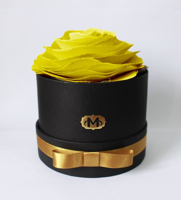 Flor na caixa redonda - AMARELA