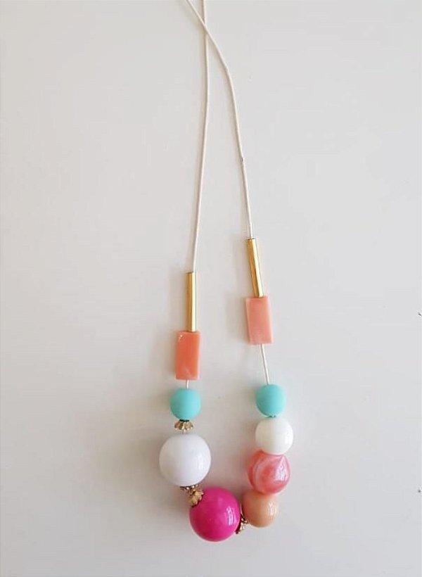 Colar longo bolas coloridas