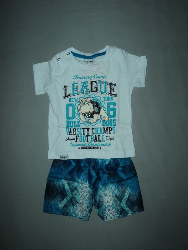 Conjunto Camiseta e Bermuda Fakini